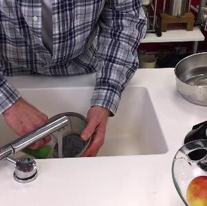 Промывка деталей в кипящей воде или сушка в духовке